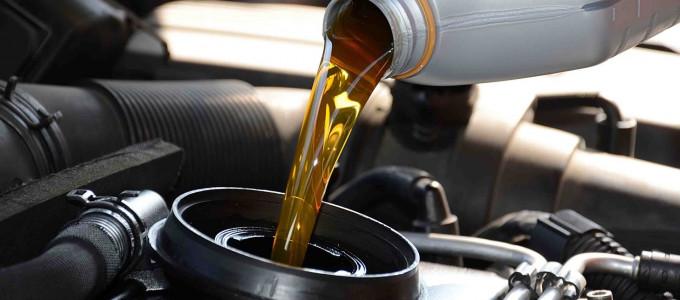 Можно ли смешивать моторное масло при доливке?